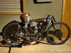Old Indian Broad-Track Racer Antique Motorcycles, Cool Motorcycles, Vintage Cafe Racer, Vintage Bikes, Bicycle Engine, Custom Moped, Tracker Motorcycle, Motorised Bike, Power Bike