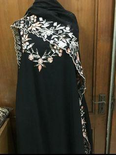 Punjabi Dress Design, Designer Punjabi Suits Patiala, Punjabi Suits Designer Boutique, Boutique Suits, Salwar Suits, Embroidery Suits Punjabi, Embroidery Suits Design, Embroidery Fashion, Salwar Designs
