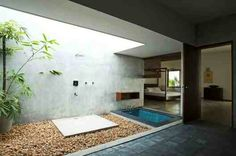 Outdoor bathroom or is it clever design trickery? Love it all the same