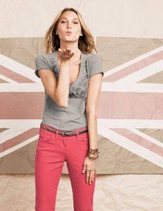 Cute outfit- and super easy DIY applique T-shirt #shirt #top #pants #outfit #belt #DIY #pink #grey