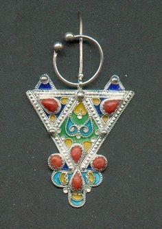 Les bijoux Berbères représentent un véritable art au féminin, l ...