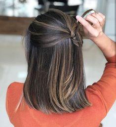 hanadi beauty haare in 2020 Brown Hair Balayage, Brown Blonde Hair, Hair Highlights, Dark Hair, Brunette Hair, Blonde Roots, Color Highlights, Hair Beauty, Hair And Beauty