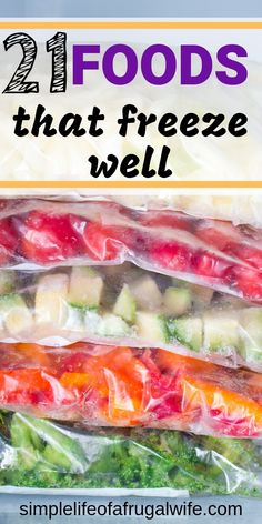 21 Foods that you can Freeze You can save money and reduce food waste by freezing food instead of throwing it out. Find 21 foods that freeze well so you can save on cash! Freezing Vegetables, Frozen Vegetables, Fruits And Veggies, Freezing Onions, Freezing Bell Peppers, Freezing Fruit, Freezing Green Beans, Freezing Cabbage, Freezing Squash