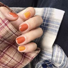 So Sweet and Beautiful Nail Art Designs for Your Big Day - Page 3 of . So Sweet and Beautiful Nail Art Designs for Your Big Day - Page 3 of . Fall Gel Nails, Gradient Nails, Summer Nails, Holographic Nails, Fall Manicure, Dip Gel Nails, Short Nail Manicure, Gold Gradient, Ombre Nail