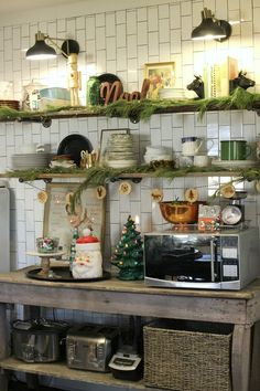 Vintage Christmas Farmhouse Kitchen- Gathered Living Holiday Home Tour Farmhouse Christmas Decor, Farmhouse Decor, Christmas Room, Vintage Christmas, Antique Booth Ideas, Coffee Room, Inexpensive Furniture, House Tours, Fixer Upper