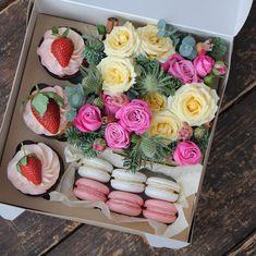 Flowers Macaroons Cupcakes