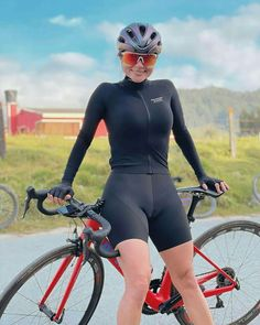 Cycling Girls, Girls In Panties, Bicycle Girl, Full Figured Women, Bike Style, Biker Girl, Athletic Women, Sport Girl, Sports Women