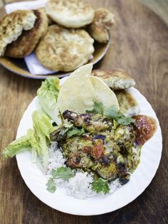 This delicious curry recipe has it all – juicy roasted game birds, meltingly tender aubergine, a mind-blowing curry paste, and fluffy rice. As made by Jamie Oliver on Friday Night Feast. Super Healthy Recipes, Healthy Foods To Eat, Healthy Dinner Recipes, Diet Recipes, Lamb Recipes, Savoury Recipes, Healthy Eating, Jamie Oliver, Curry Recipes