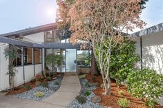 95 Sandringham Rd Piedmont, CA 94611, Exceptional Piedmont Home, Presented by Debi Fitzgerrell - Anna  Pacific Union International www.95Sandringham.com