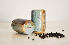 Pottery Salt and Pepper Shakers, Salt and Pepper Shakers, Wheel Thrown Pottery, Pottery, Pottery Han. Ceramic Mugs, Ceramic Pottery, Ceramic Art, Sun Projects, Clay Projects, Clay Studio, Ceramic Studio, Salt Pepper Shakers, Salt And Pepper