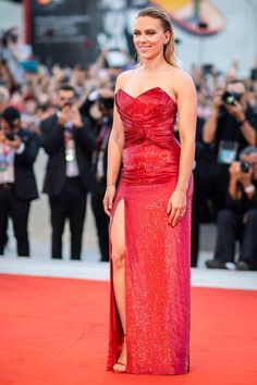 Every Incredible Look From Venice Film Festival 2019 Red Carpet Red Carpet Party, Red Carpet Event, Elegant Dresses, Nice Dresses, Formal Dresses, Venice Film Festival, Curvy Petite Fashion, Red Carpet Dresses, Red Carpet Looks