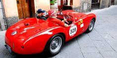 Mille Miglia 2015 - Ferrari 500 Mondial Spider in Siena, Toskana | Nostalgic Oldtimerreisen