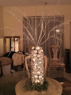 100 DIY Christmas Centerpieces for Tables and decoration ideas - Ethinify Rose Gold Christmas Decorations, Christmas Vases, Christmas Bathroom Decor, Farmhouse Christmas Decor, Elegant Christmas, Christmas Centerpieces, Centerpiece Decorations, Rustic Christmas, Christmas Holidays