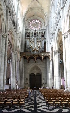 #Nave Amiens cathedral #France #Architecture Work started in the center of the building in 1220.
