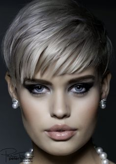 Fashion Beauty - Make-up Elizabeth Kramer Hair Nancy McKenzie and Liz Kramer Make-up Product Bodyography Short Sassy Hair, Short Grey Hair, Short Hair Cuts For Women, Short Hair Styles, Short Braids, Braids Wig, Pelo Color Gris, Grey Wig, Hair Color And Cut