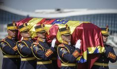 An honor guard soldiers carry the flag-draped coffin of Anne of Romania, wife of Romania's last monarch King Michael, before a religious service, in Otopeni,. Queen Anne, King Queen, Michael I Of Romania, Honor Guard, George Vi, British Royals, Funeral, Coffin, Soldiers
