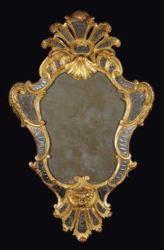 Coppia di ventole sagomate in legno dorato Luigi XV, Torino, terzo quarto del XVIII secolo