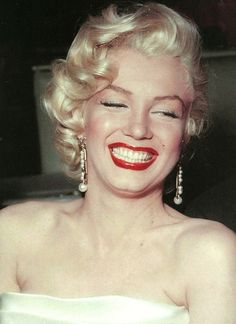 Marilyn Monroe at a benefit for the Damon Runyon Cancer Fund, October 1953.