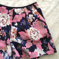 HOST PICK High wasted flower shorts High waisted shorts with pockets. Super cute. Great condition! From boutique in NY Shorts