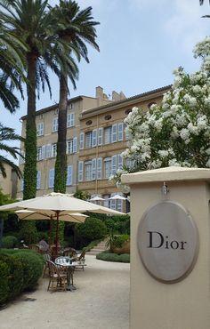 Villa Dior Cafe,St Tropez. Soooo beautiful!