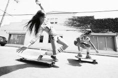 Dream team. Xk #kellywearstler #myvibemylife #surfboard #california #summer
