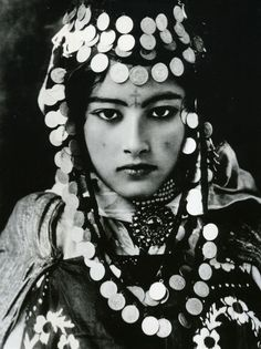 .one of my all time favorites, I have this photo on a very old postcard, a full size photo from L & L , and another with her and another Ouled Nail photo from north Africa.