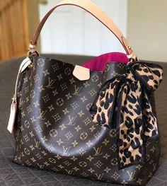 #LV #Artsy #Handbags Shoulder Tote For Women Style, Classic Louis Vuitton Monogram Handbags Collection.