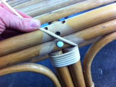 cane binding, step by step on how to carry out cane binding repairs Painting Wicker Furniture, Cane Furniture, Outdoor Wicker Furniture, Bamboo Furniture, Furniture Repair, Furniture Makeover, Vintage Furniture, Diy Chair, Papasan Chair