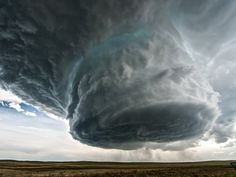 Weather Phenomena on Earth Amazing photos video footage storm clouds supercell rainbow lightning tornado optical phenomenon on sky extreme events All Nature, Science And Nature, Amazing Nature, Supercell Thunderstorm, Thunderstorms, Tornados, Thunderstorm Video, Fuerza Natural, Wild Weather