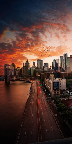 Sunset Over Manhattan, New York City New York Wallpaper, City Wallpaper, Sunset Wallpaper, Bridge Wallpaper, Wallpaper Lockscreen, Mobile Wallpaper, Aesthetic Backgrounds, Aesthetic Wallpapers, City Photography