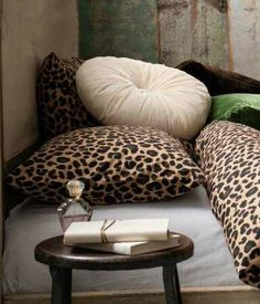 "coffe table from Ethiopia and cushions  / Look these at  WWW.THEAFRICANTOUCH.COM  / ""Online boutique dedicated to select fashion, art and decoration accessories of African-inspired designs"" / Ethnic Global African Home Decor and Style…"