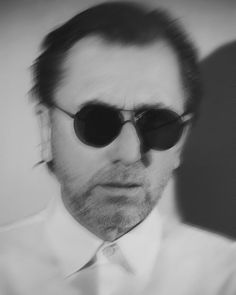 Tim Roth is very cool!