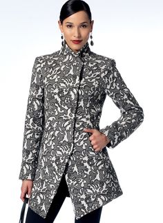 V9212 Seamed and Collared Jackets; vogue