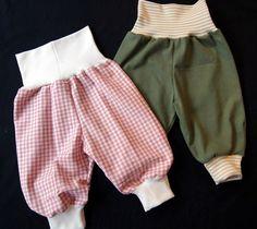 Til de allermindste og helt nye baby'er kan du sy en stak rigtig fine, praktiske - og hurtige bukser. Du kan downloade et enkelt mønster ...