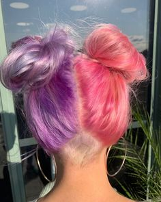 45 Purple Hair Color Ideas amp Trends Highlights Styles and More: Purple hair is considered a fashion color… Hair Color Purple, Hair Dye Colors, Cool Hair Color, Green Hair, Blue And Pink Hair, Two Color Hair, Creative Hair Color, Violet Hair, White Hair