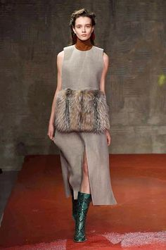 Fashion trends and beauty tips, plus art, culture and travel inspiration Fall Winter 2015, Autumn, Milano Fashion Week, Fashion Show, Fashion Trends, Marni, Beauty Hacks, Beauty Tips, Catwalk