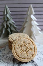 Tündérsüti: Pecsétes fahéjas keksz Xmas Cookies, Cake Cookies, Bakery Recipes, Cooking Recipes, Winter Food, Sweet Life, Biscuits, Clean Eating, Food And Drink