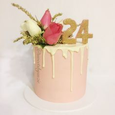Pink and gold drip cake made by SweetsBySuzie in Melbourne