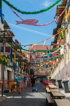 #FestasDeLisboa - #JuneFestivalLx - Street popular decorations #Lisboa #Portugal