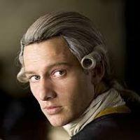 Lord Edward Blackwood - a birodalom egyetlen nyomozó nemese.  Tizenkét éve az uralkodó különleges kinevezése okán bármilyen bűnügyben nyomozhat vagy eljárhat. Gyűlöli az inkvizíciót és annak módszereit, ha teheti, szembe is száll velük. Ianus Magra az egyetlen, aki kivétel ez alól, vele tökéletesen megértik egymást. Hiába, mindketten kívülállók.