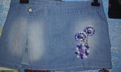 mini gonna pantalone jeans rimodernata con applicazioni all'uncinetto di uncinettotuttomatto su Etsy