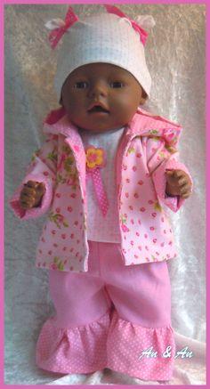 Jasje, shirt, broek en mutsje voor Baby Born