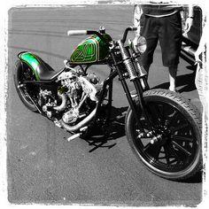 Harley Davidson Dyna, Harley Davidson Night Train, Classic Harley Davidson, Harley Davidson Street Glide, Harley Davidson Motorcycles, Harley Bobber, Bobber Motorcycle, Motorcycle Garage, Baggers