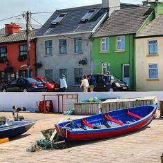 Lunch break  #femaletravel #passport #instatravel #instapic #passportready #ireland #countykerry #fishing #color #boats #sand #architecture #architecturelovers #beach #trip #irish #boat by markowj