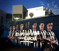 El autobus de Rayados listo para otro recorrido #EnLaVidayEnLaCancha