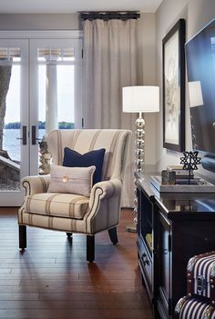 living-room-chair