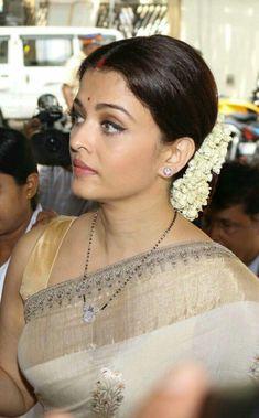 Gold blouse for cream saree....
