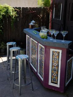 An outdoor bar makes entertaining so easy! Check out these awesome built-ins and creative DIY ideas that are perfect for any backyard party. ideas about Patio bar, Outdoor bars near me and Farmhouse outdoor bar furniture. Outdoor Bar Furniture, Outdoor Patio Bar, Patio Bar Stools, Backyard Bar, Diy Patio, Outdoor Bars, Patio Ideas, Outdoor Spaces, Outdoor Pavilion