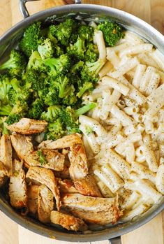 Creamy Chicken Broccoli Alfredo Pasta is an easy recipe that combines protein, carbs, and veggies in a simple homemade cream sauce. It's a perfect dish for creamy chicken pasta lovers! Healthy Dinner Recipes, Healthy Snacks, Cooking Recipes, Healthy Eating, Cooking Games, Delicious Healthy Food, Healthy Broccoli Recipes, Baby Cooking, Healthy Weeknight Dinners
