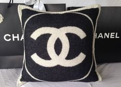 2014-2015 CHANEL BLACK & WHITE CASHMERE TOP ICONIC CC DRESS PILLOW W/ BAG NEW #CHANEL #SQUARE